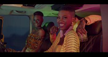 CLEYTON M - MICKEY com letras - baixar - vídeo