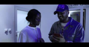 Chelsea Dinorath - With U Remix ft Lil Saint com letras - baixar - vídeo