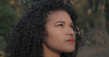 Debora - Fora do Baralho com letras - baixar - vídeo