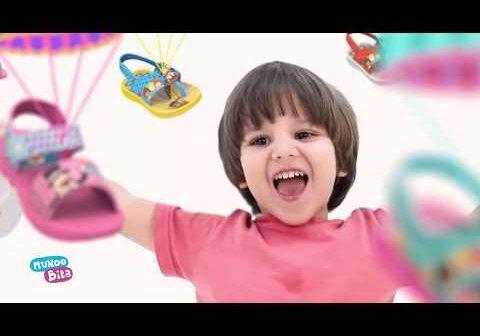 Sandálias do Bita - Grendene Kids com letras - baixar - vídeo