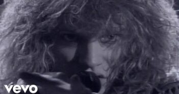 Livin' On A Prayer com letras - baixar - vídeo