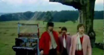 Strawberry Fields Forever com letras - baixar - vídeo